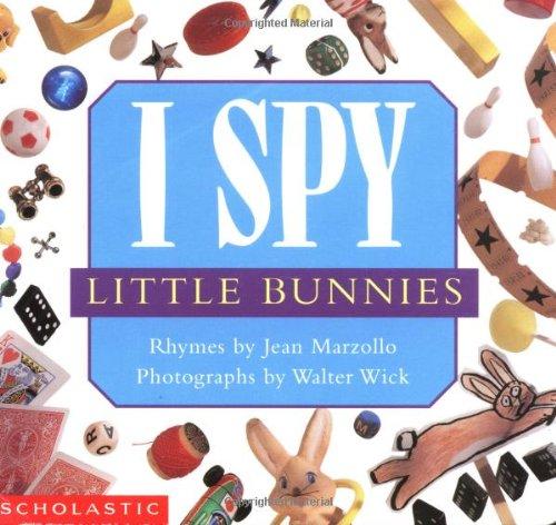 9780439221580: I Spy Little Bunnies