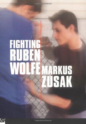 9780439241878: Fighting Ruben Wolfe