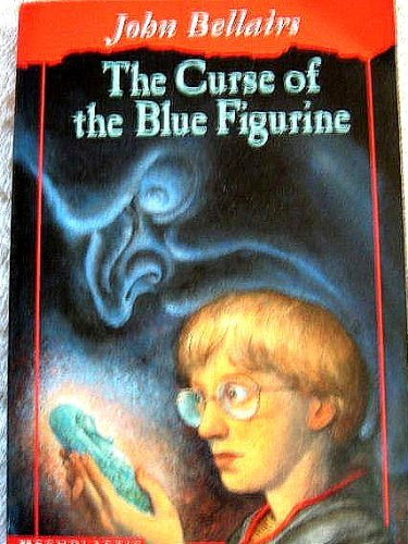 9780439252911: The curse of the blue figurine