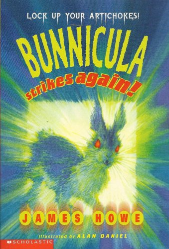 9780439280808: BUNNICULA STRIKES AGAIN!