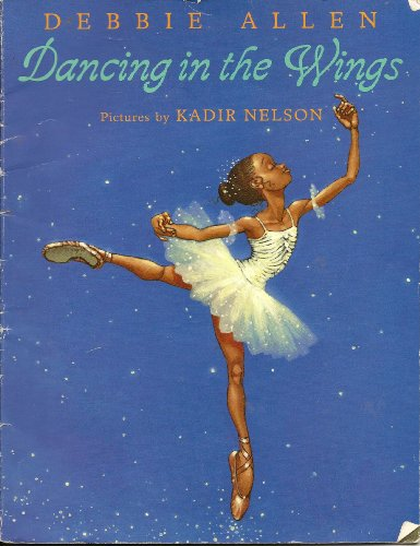 9780439329422: Dancing in the Wings