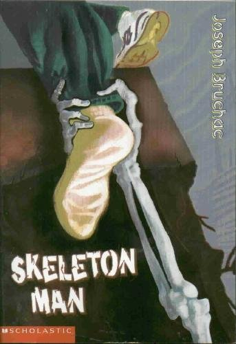 9780439439619: Skeleton Man Edition: Reprint