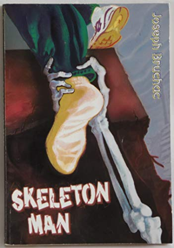 9780439442510: Skeleton Man
