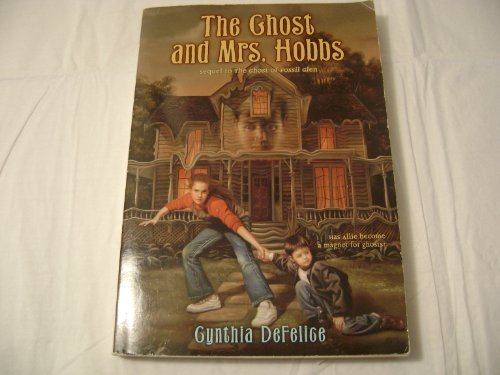 9780439539371: The Ghost and Mrs. Hobbs