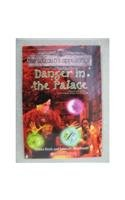 9780439703659: Danger in the Palace (Circle of Magic, Book 4)