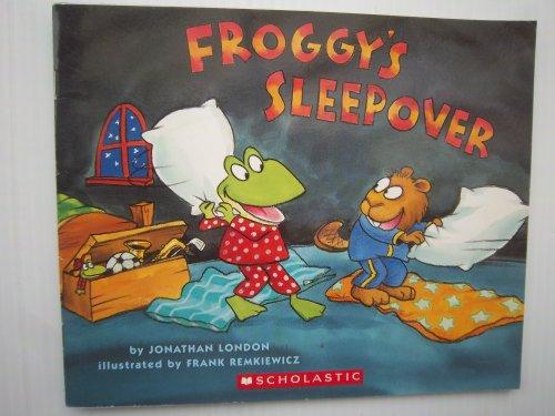 9780439800938: Froggy's Sleepover