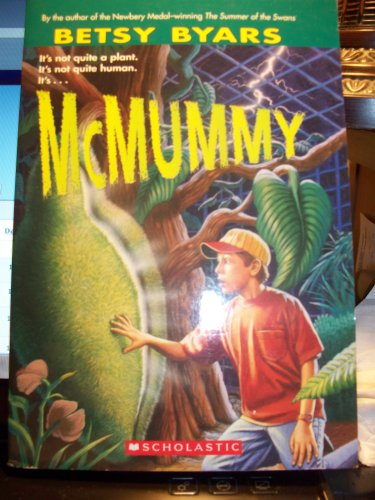 9780439826396: McMummy