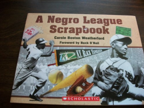 9780439877190: A Negro League Scrapbook