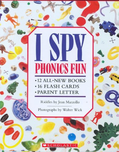 9780439910903: I Spy Phonics Fun Boxed Set