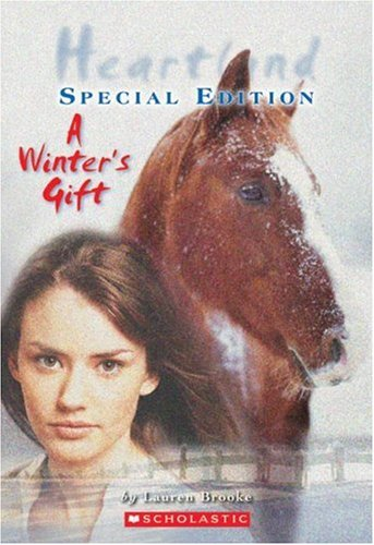 9780439925617: A Winter's Gift (Heartland)