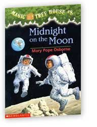 9780439996426: Midnight on the Moon