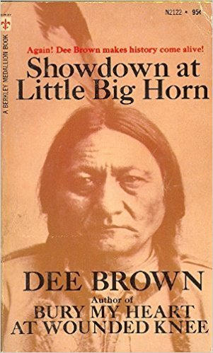 Showdown at Little Big Horn (0440202027) by Dee Brown