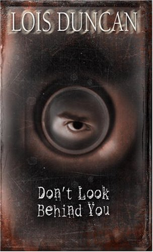 9780440207290: Don't Look Behind You
