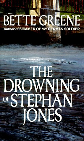 9780440226956: The Drowning of Stephan Jones
