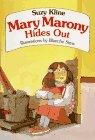 9780440411352: Mary Marony Hides Out