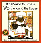 9780440413530: It's So Nice to Have a Wolf Around the House
