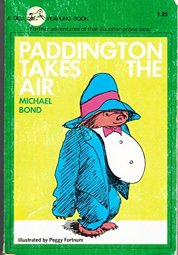 9780440473213: Paddington Takes the Air
