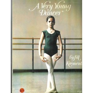9780440492122: A Very Young Dancer