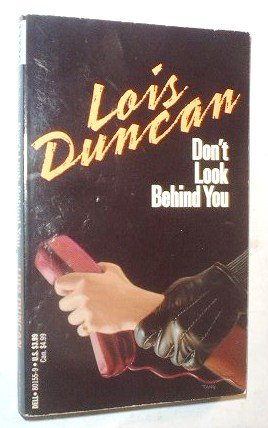 9780440801559: Don't Look Behind You
