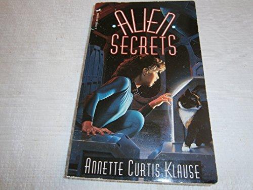 9780440910237: Alien Secrets