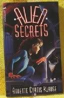 9780440910381: Alien Secrets