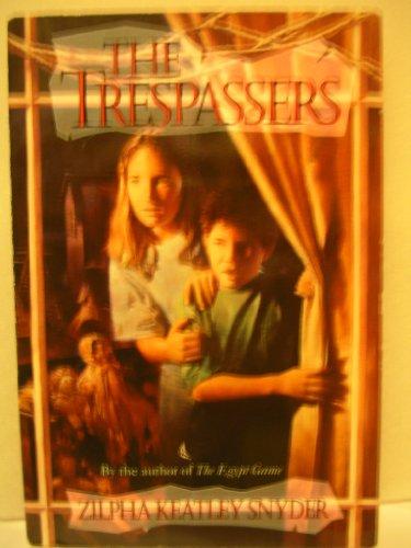 9780440911487: The Trespassers