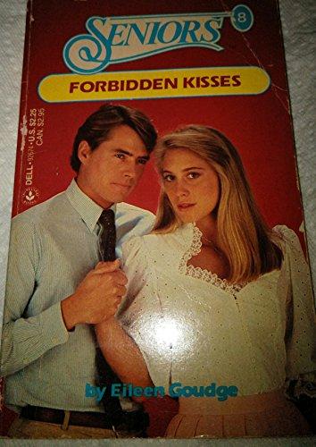 9780440926740: FORBIDDEN KISSES (Seniors No. 8)