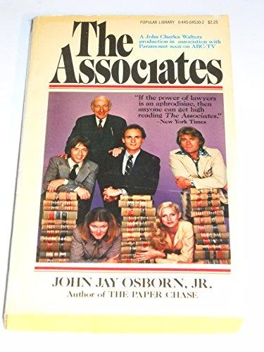 9780445045309: The Associates