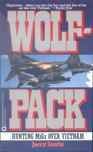 9780446357166: Wolfpack: Hunting Migs over Vietnam