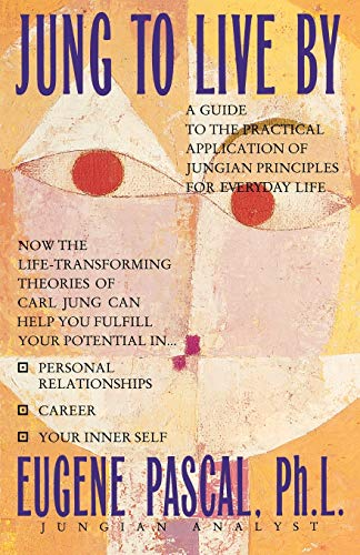 9780446392945: Jung to Live by