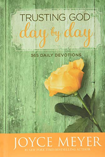 9780446538589: Trusting God Day by Day: 365 Daily Devotions