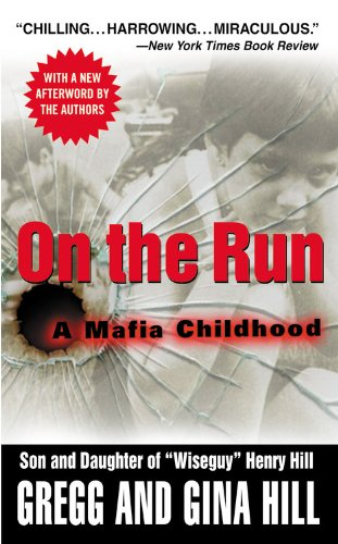 9780446615938: On the Run: A Mafia Childhood