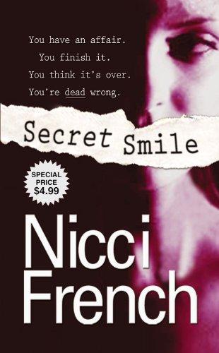 9780446617109: Secret Smile
