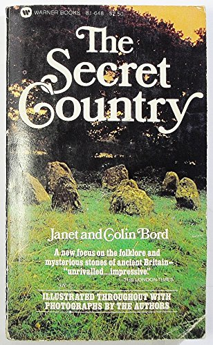 9780446816489: The Secret Country