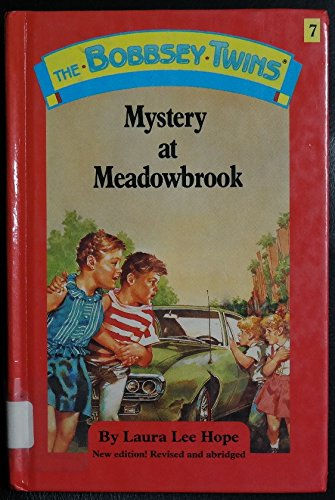 9780448091006: Mystery at Meadowbrook (Bobbsey Twins, No. 7)