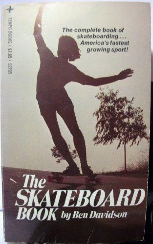 9780448125916: The skateboard book