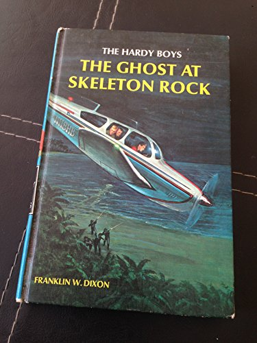 9780448189376: The Ghost at Skeleton Rock (The Hardy Boys)