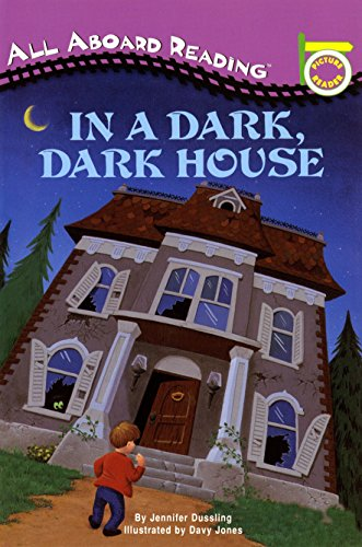 9780448409702: In a Dark, Dark House (All Aboard Reading - Level Pre 1 (Quality))