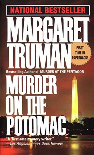 9780449219379: Murder on the Potomac (Capital Crimes)
