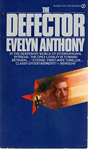 9780451117656: Anthony Evelyn : Defector (Signet)
