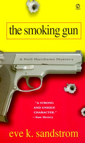 9780451199768: The Smoking Gun (Nell Matthews Mysteries)