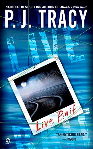 9780451214638: Live Bait (A Monkeewrench Novel)