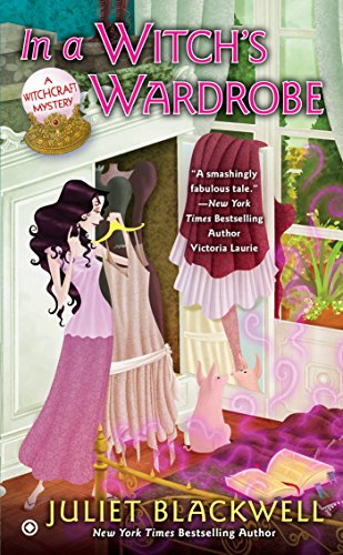 9780451237477: In a Witch's Wardrobe (Witchcraft Mysteries)