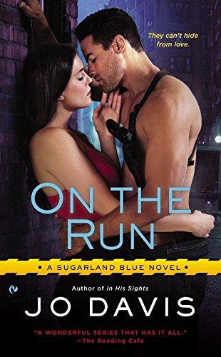 9780451467935: On the Run (Sugarland Blue Novel)