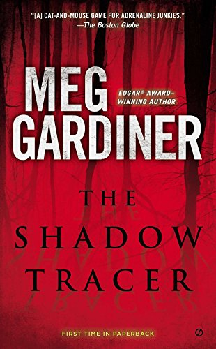 9780451468000: The Shadow Tracer: A Thriller