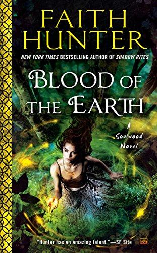9780451473301: Blood of the Earth: A Soulwood Novel