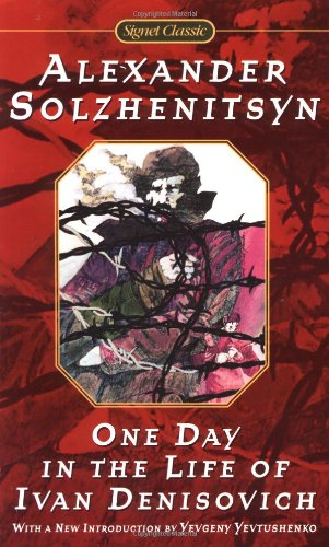 9780451527097: One Day in the Life of Ivan Denisovich (Signet Classics)