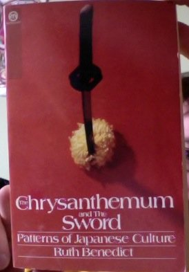 9780452005617: The Chrysanthemum and the Sword