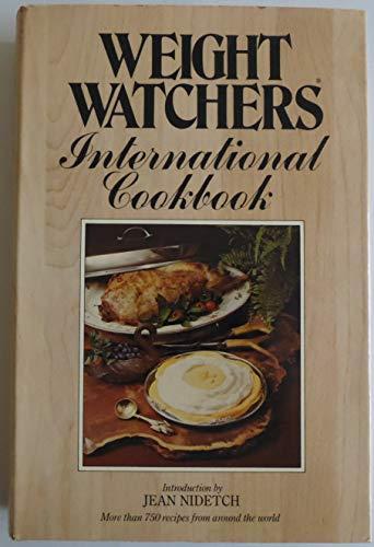 9780453010047: Weight Watchers' International Cookbook