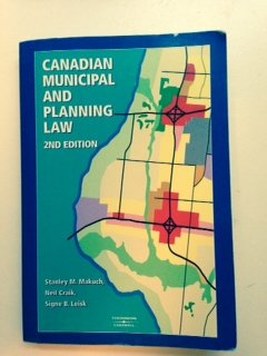 9780459361006: Canadian municipal and planning law